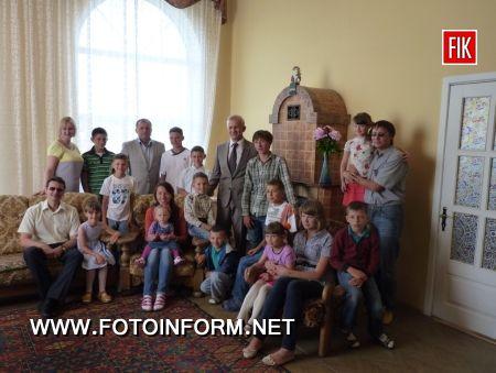 Кіровоградщина: перший заступник голови ОДА В. Серпокрилов гостював у родині Дудкіних (ФОТО)