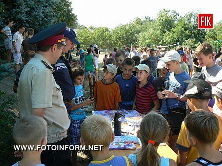 Кіровоградщина: рятувальники завітали до дитячого табору «Дружба» (ФОТО)