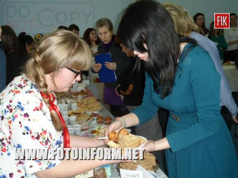 В Кировограде состоялась благотворительная ярмарка сладостей.
