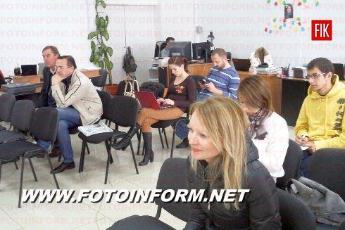 Сегодня, 24 октября, в Кировоградском пресс - клубе состоялась пресс-конференция кандидата в народные депутаты Василия Ращупко, относительно попытки покушения на его жизнь.