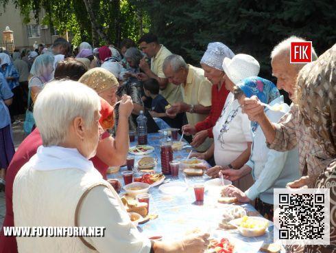 Вчера, 19 августа, верующие Кировограда отпраздновали ежегодный престольный праздник в Спасо – Преображенском соборе.