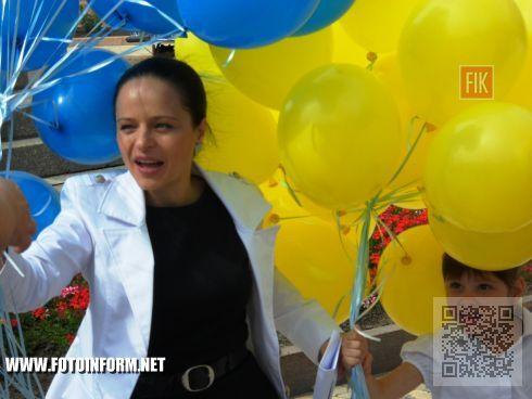 21 августа на центральной площади нашего города впервые состоялась масштабная областная акция «Дети за мир в Украине», приуроченная ко Дню Независимости Украины.