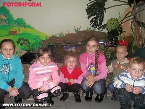 Персонал Кіровоградської виправної колонії у ляльковому театрі (фото)
