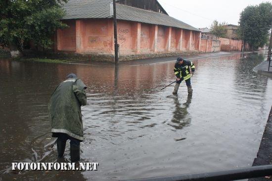 Впродовж доби 23 вересня рятувальники У ДСНС в області тричі залучались до надання допомоги по спилюванню та прибиранню аварійних дерев та двічі – до розчищення вулиць від дощових вод.