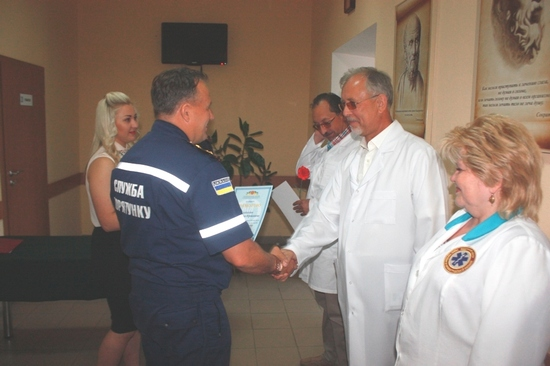 16 червня з нагоди Дня медичного працівника України керівництво Управління ДСНС в області привітало фахівців медичного центру Управління з професійним святом.