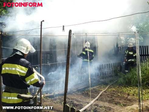 На Кіровоградщині горіла лазня (ФОТО)